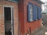 входная дверь и окна одной из комнат