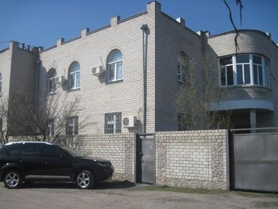 Добротный дом на Салтовке